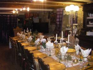 une table bien décorée à NOEL